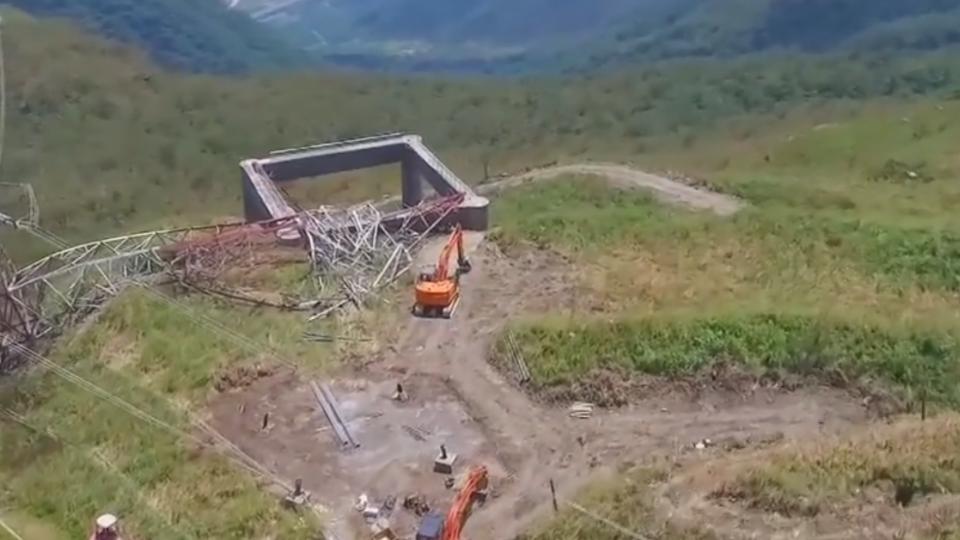 和平電廠電塔倒塌 臨時電塔盼兩周完工