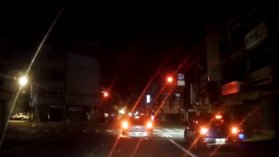 紅燈越線跑給警追「2分8罰單」 騎士:提訴訟