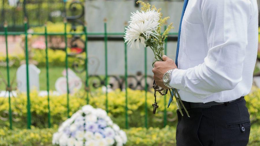 殯葬業者超感慨!媽媽剛過世...兒竟馬上追問「遺產怎麼分?」