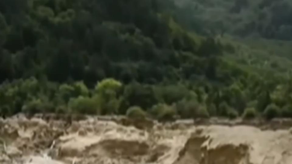 火花海湖乾、諾日朗瀑布堆落石 九寨溝美景毀