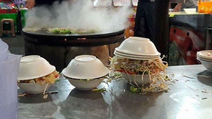 蒙古烤肉堆料「3碗蓋鎮壓」 網友跪求神技狂筆記