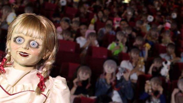 一片黑!看《安娜貝爾》遇停電 網友慌逃電影院