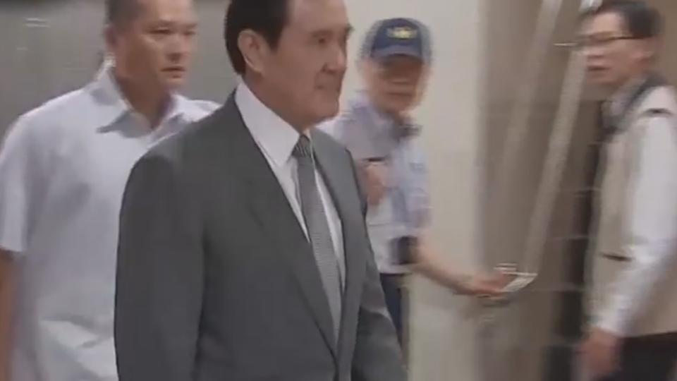 涉大巨蛋弊案? 馬英九列被告 北檢出庭
