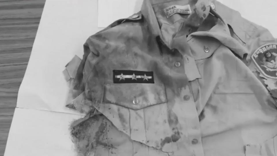 國道警遭撞死 同僚秀血衣籲比照因公殉職撫卹