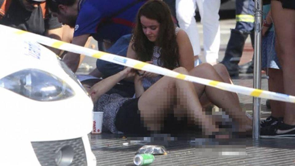 傷者遍地哀嚎!巴塞隆納恐攻成「血城」 台團一對母女受傷