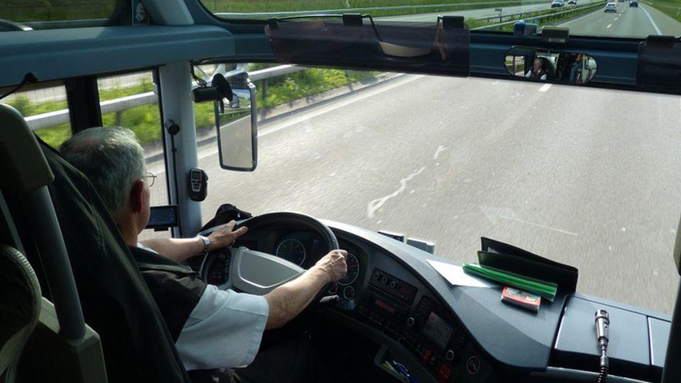 笑翻!公車司機搞創意 台語直翻「這2字」網推爆