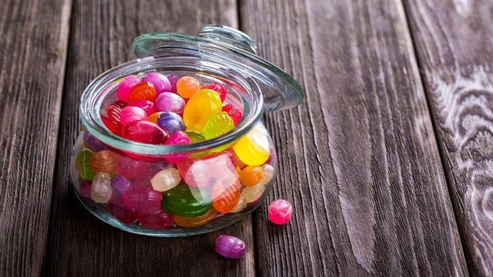男子車震13歲少女…竟因「請她吃糖」獲輕判緩刑!