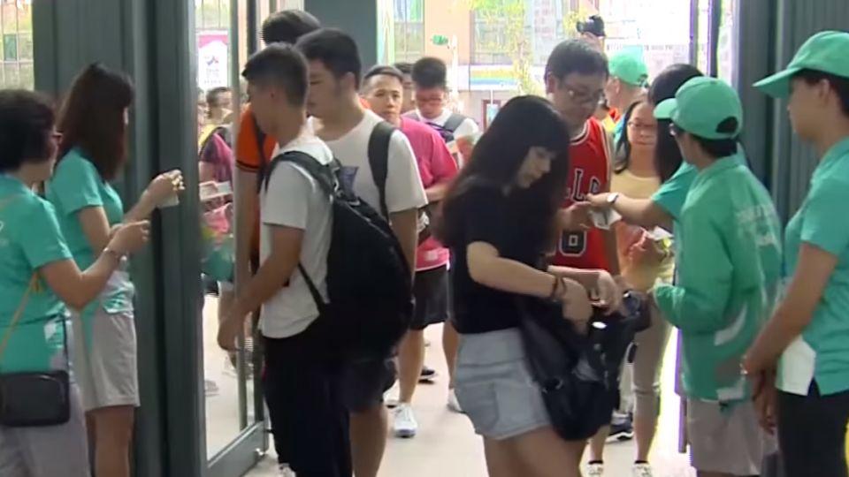 中韓籃球賽太夯!黃牛抬價「10倍」賣
