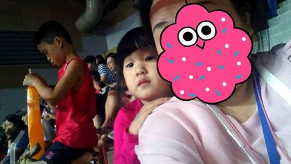 帶孩子看世大運為中華隊加油 3歲女童言童語問:其他人要輸嗎?