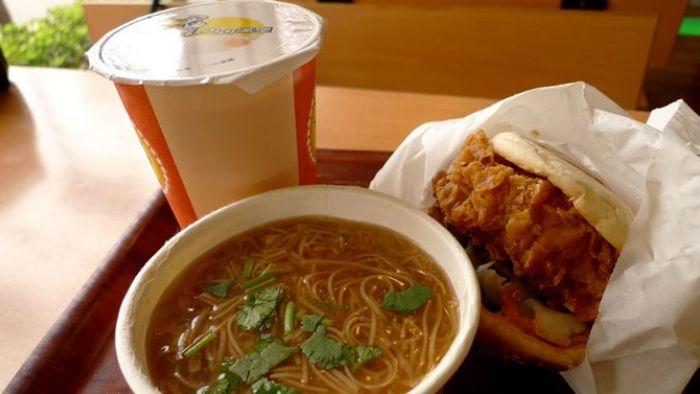 丹丹漢堡才吃一半 這幕讓他看見台灣人的自私!