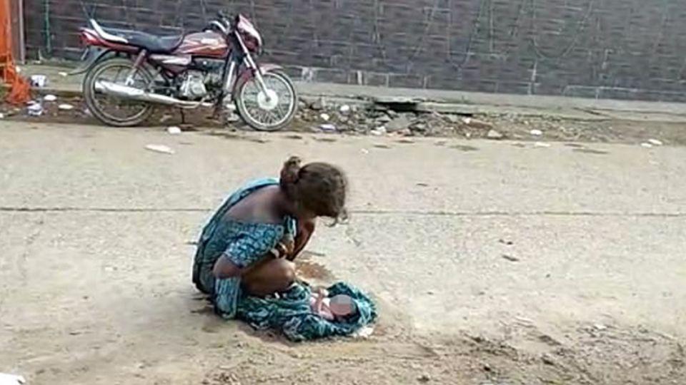 男友拋棄娘家嫌丟臉!17歲少女路邊產子 手捧嬰兒臍帶剪不了…