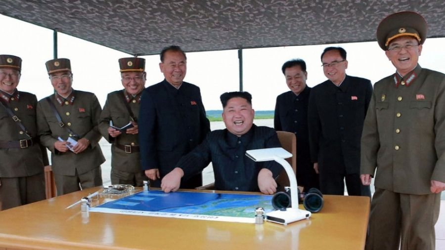 「火星12型」飛彈越過北海道!北韓證實金正恩「全程觀看」笑呵呵