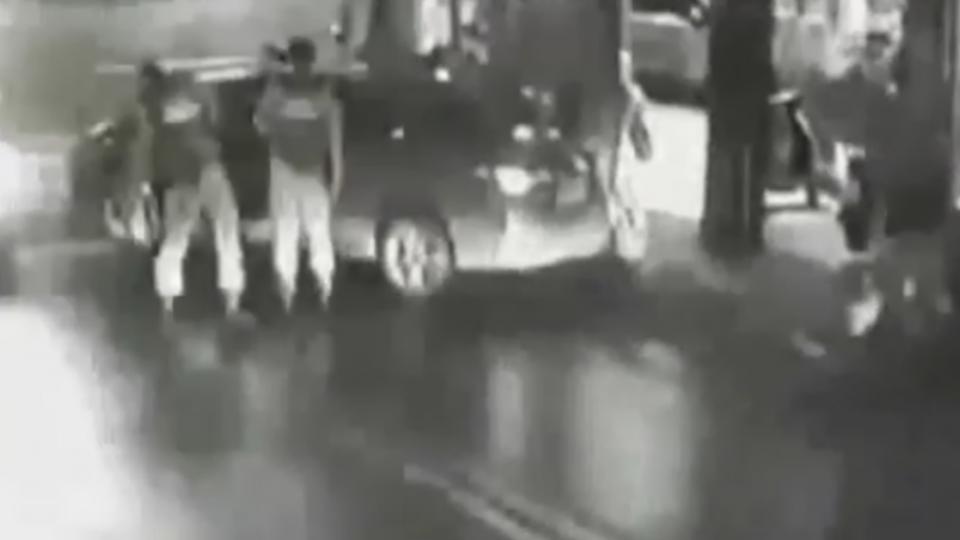 「你不下來要把你銬起來」 通緝犯拒捕 刺傷三員警