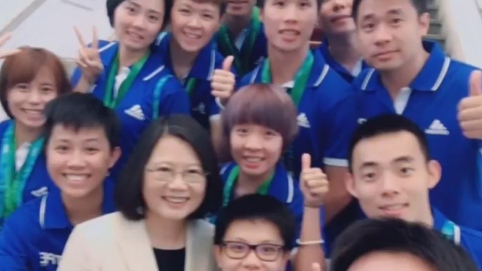 英雄大遊行後 選手們PO照讚台灣