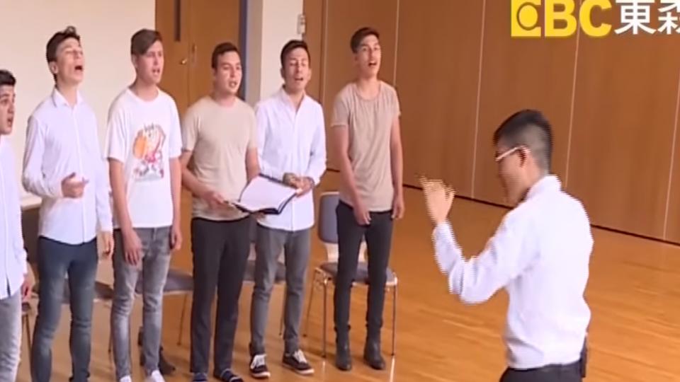 台灣青年指揮家 組阿富汗難民合唱團