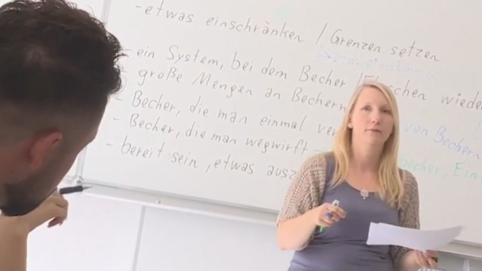 難民唱出和平 奧地利促融入主流社會