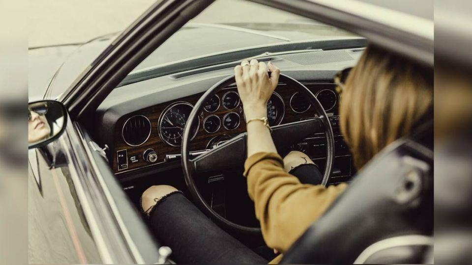汽機車千萬「別借女友」…爸爸超正解分析 網推:乖,要聽話