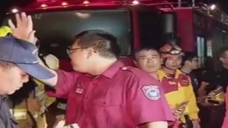 阿羅哈客運閃車撞護欄乘客拋飛6死11傷