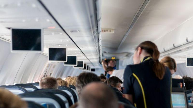 本人比照片漂亮太多…美女「整16次」機場安檢遭攔下
