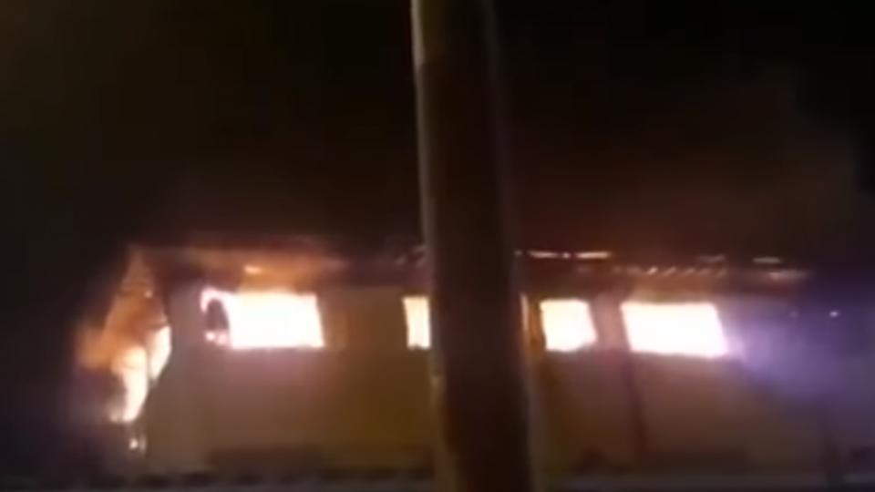 馬國學校宿舍大火 釀22學生2老師死