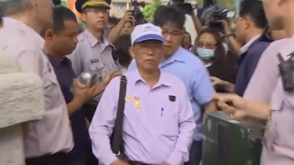越南移工遭警開9槍致死 老父跨海來台監院陳情