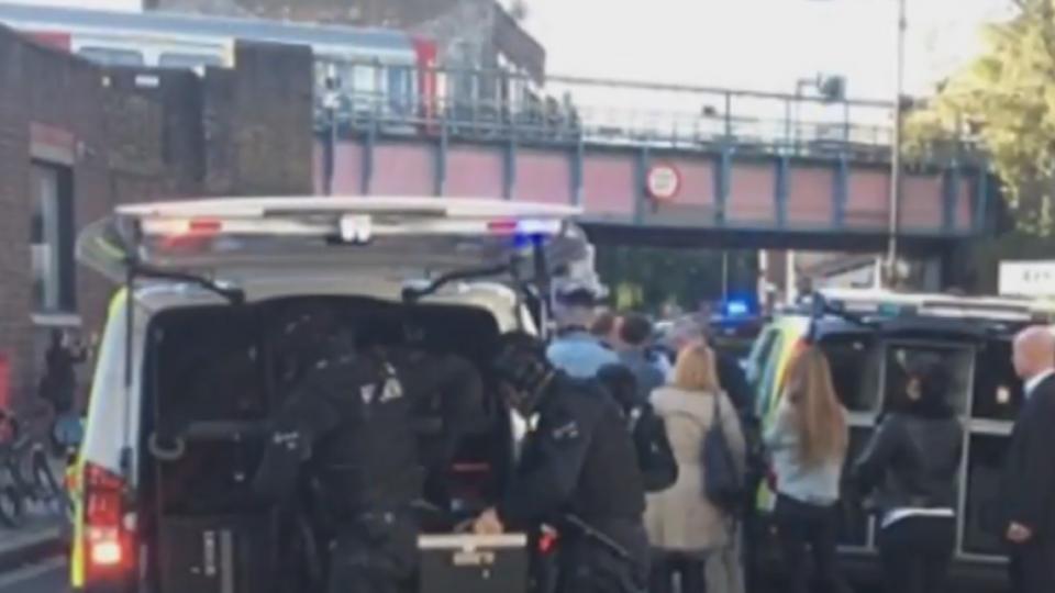 英國倫敦地鐵爆炸18人傷 警方定調恐攻