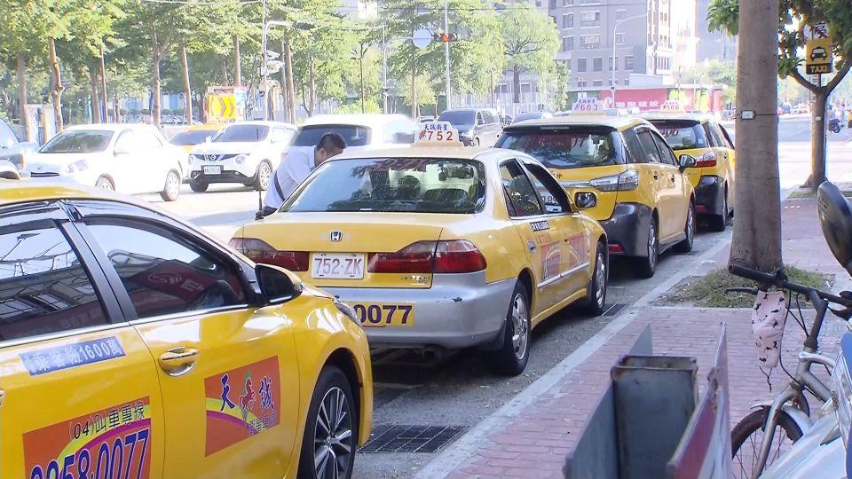 朝馬轉運站龐大載運量 「黃金停車格」僅三格