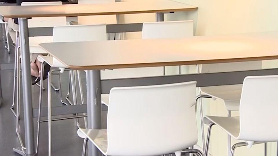 直銷?美食街椅子遭挪開會 只剩空桌怎坐