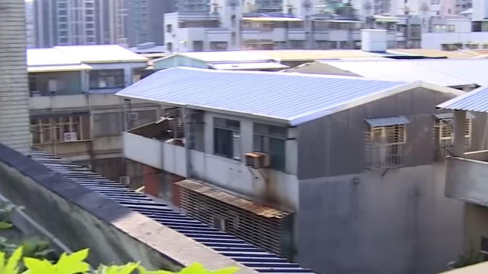 513件屋頂違建「拆了又蓋」 議員批柯放水
