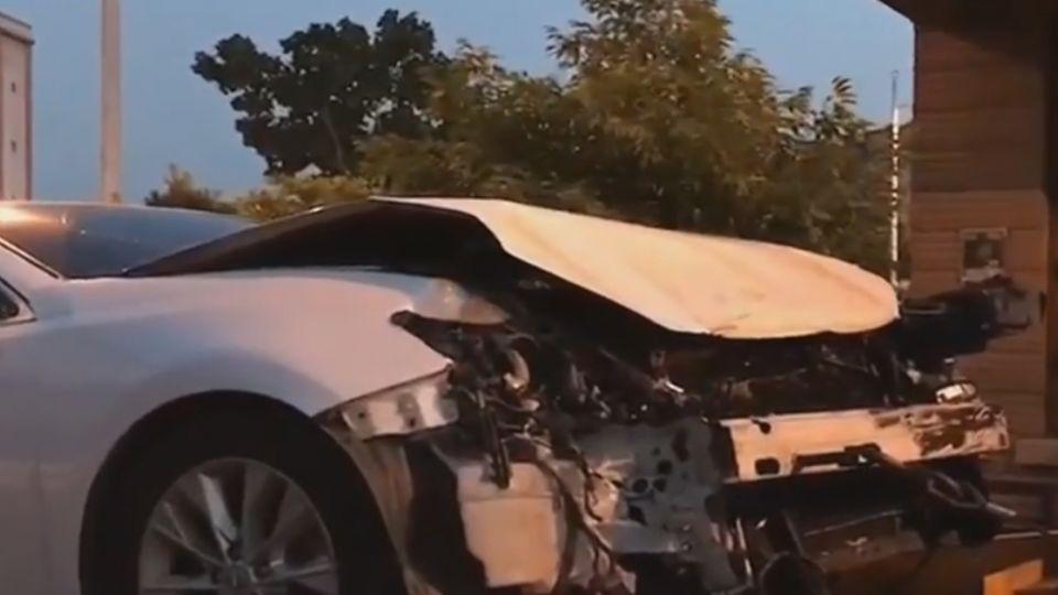 宜蘭市勁好行公車與轎車相撞! 12人送醫