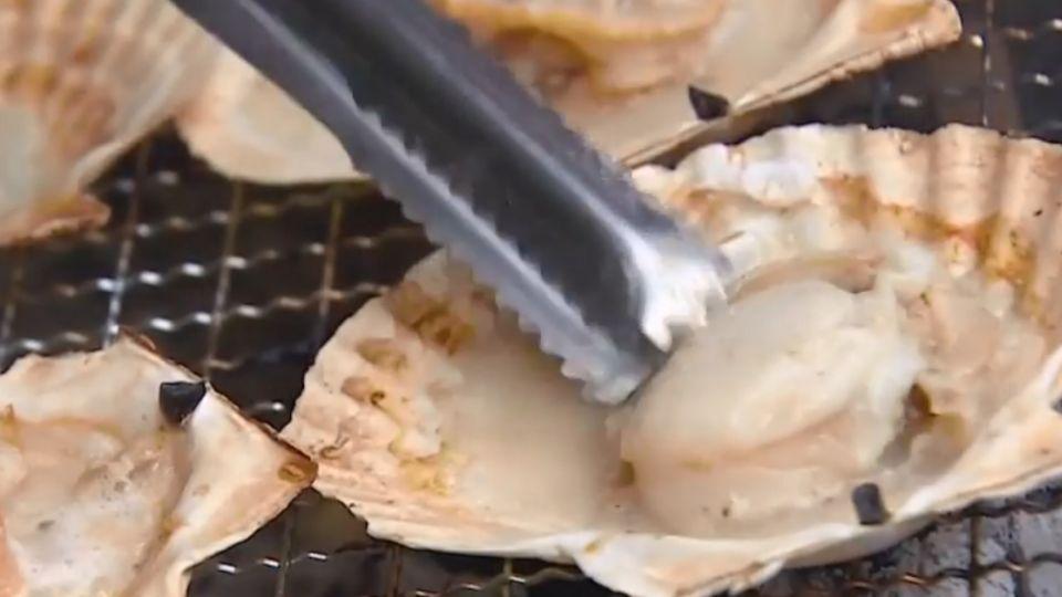 比臉大魷魚PK手臂粗龍蝦 搶中秋「烤」商機