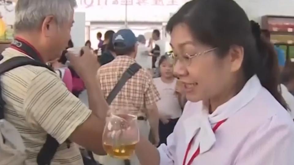 南投茶葉博覽會 第一天吸引上萬民眾品茗