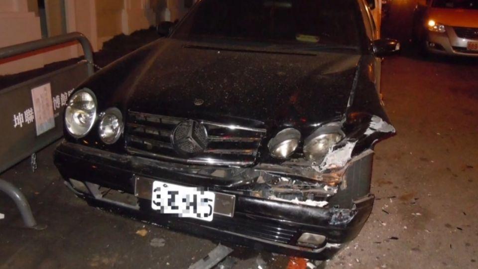 「你撞到我的車」 酒駕耍帥載妹出遊 失控撞2車