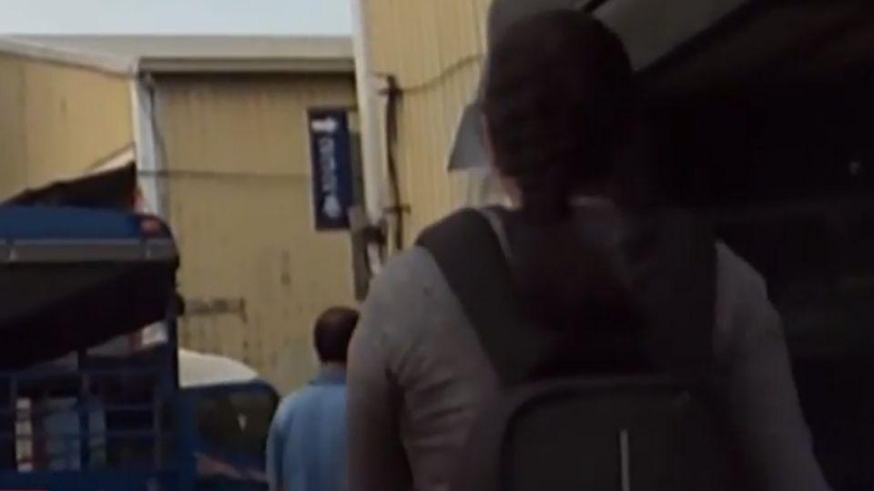女乘客曾買油放自家門口 鄰嚇壞報警
