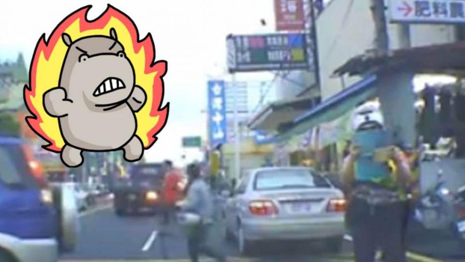 打「警示燈」竟變違停!?跟警察講不聽 駕駛爆氣:沒知識