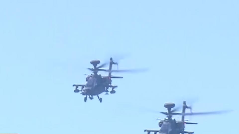 阿帕契直升機動態操演 秀強大空中戰力
