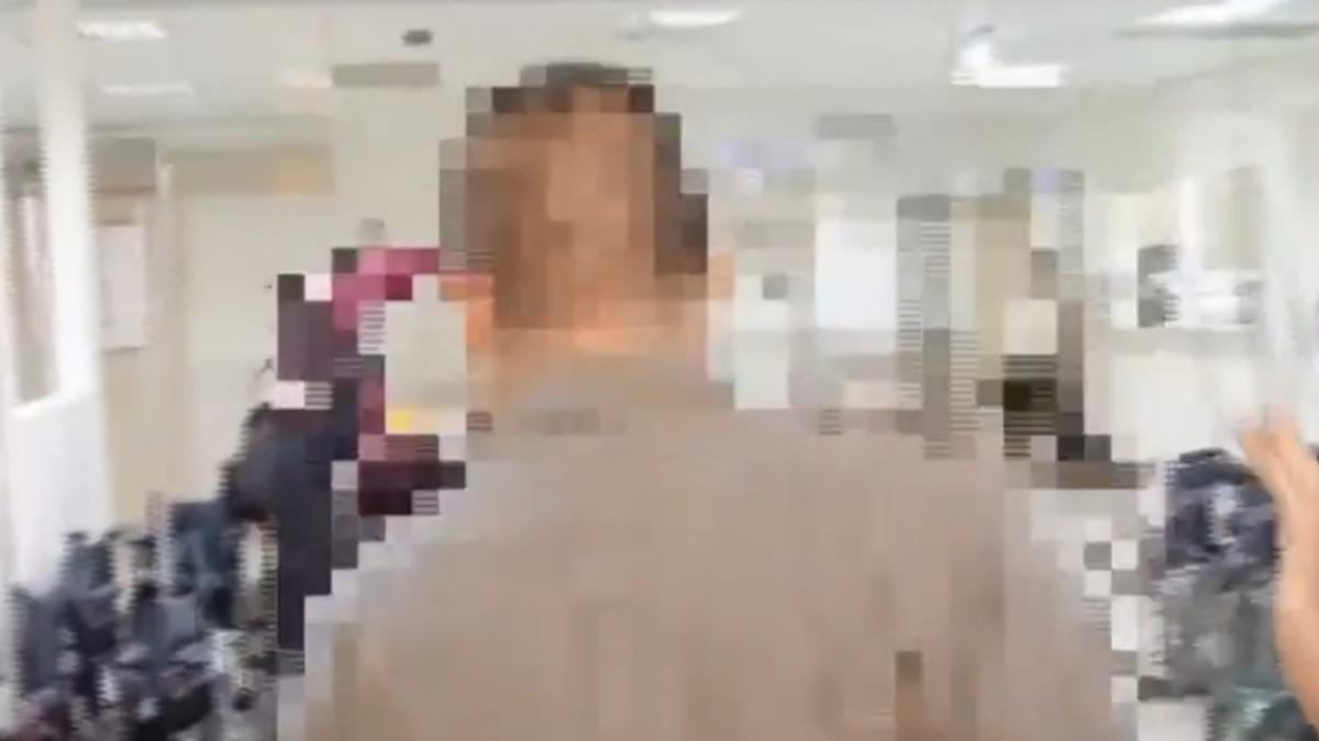 嚇!派出所前男割喉自殘 警盾棍壓制送醫