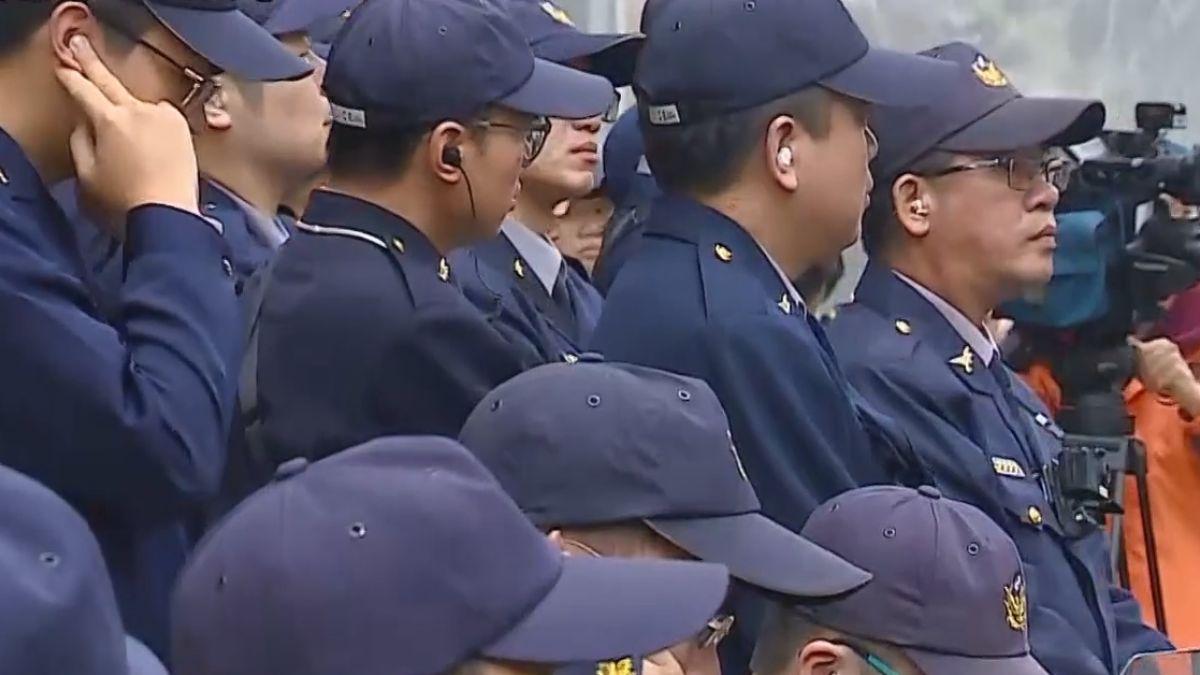 抗議勞基法修惡 勞團衝撞立院爆肢體衝突