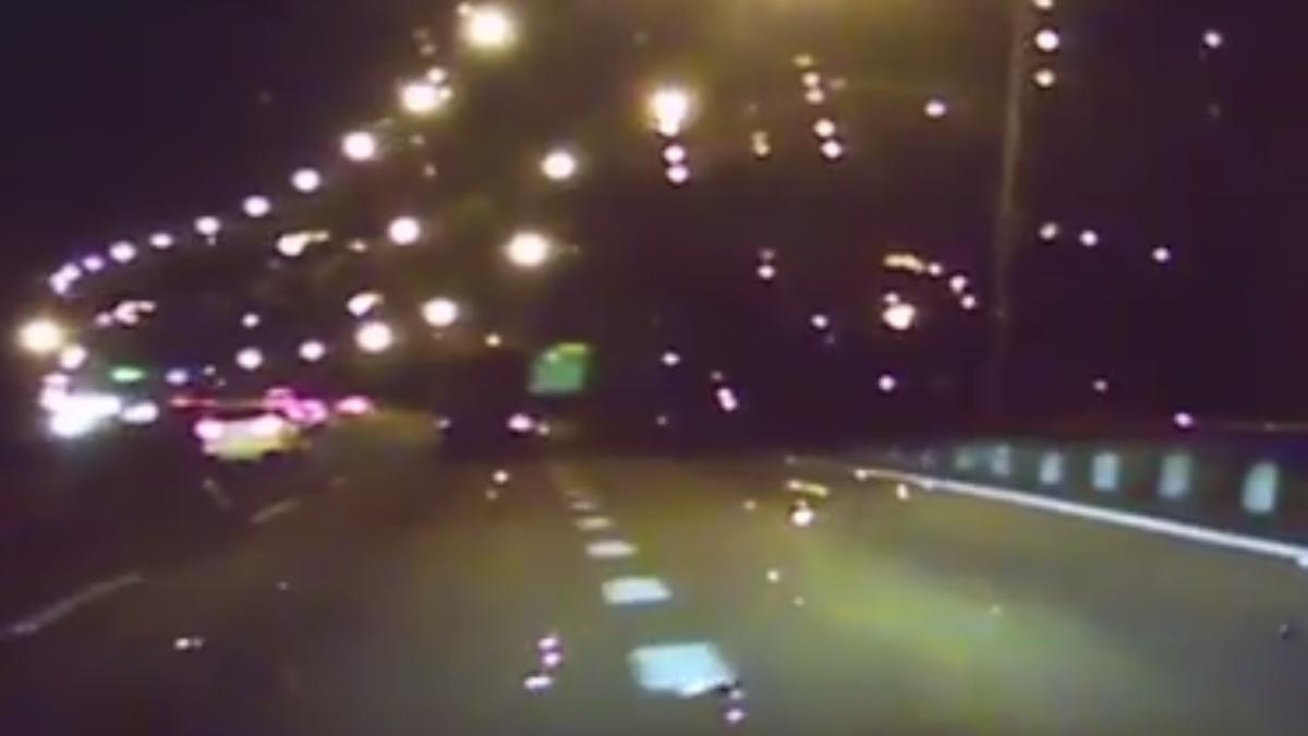 排除國道車禍竟遭撞 2員警生死一瞬間