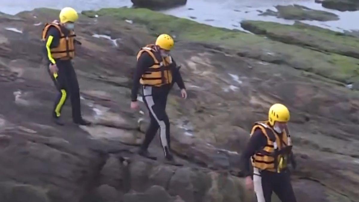 瑞芳漁船觸礁翻覆  9人獲救1人失蹤