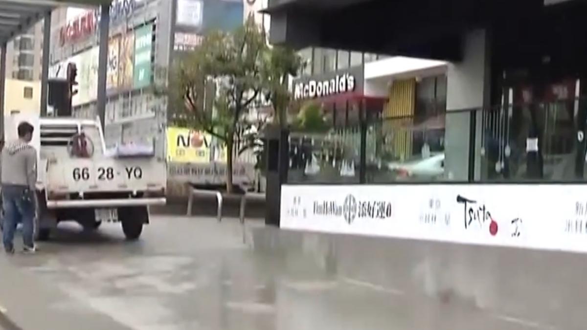 驚!從商場2樓墜1樓 29歲女清潔員摔傷
