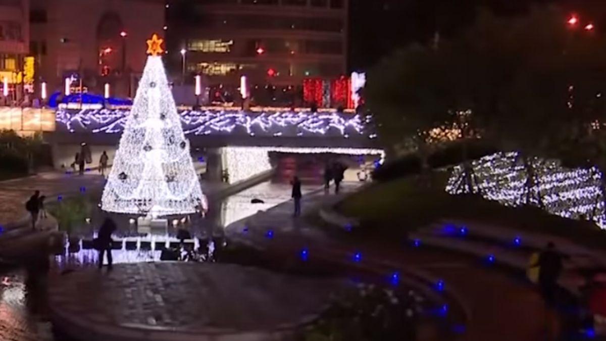 全國首座水中耶誕樹「放閃」柳川水岸超浪漫