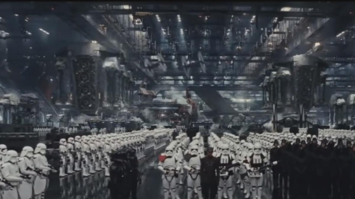 「星際大戰8」洛杉磯全球首映 向莉亞公主致敬