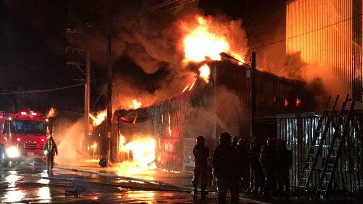 【不斷更新】5百坪燒毀!桃園工廠半夜竄惡火 5人逃出6人罹難