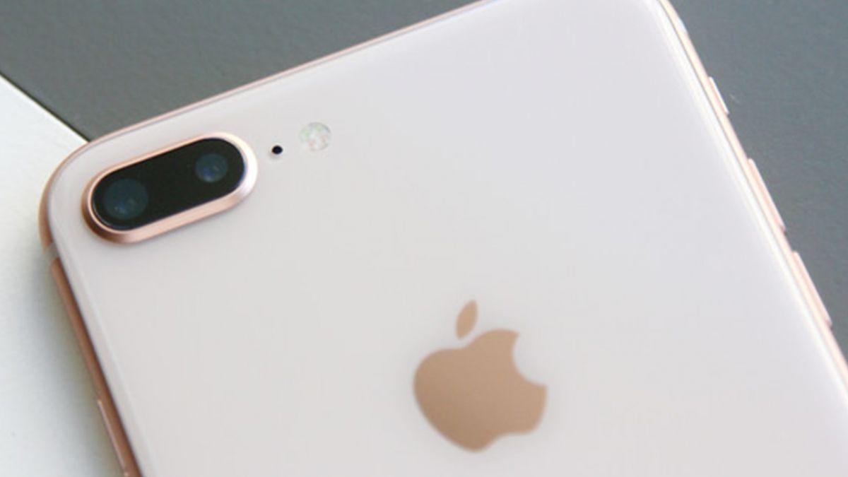 搭小黃掉iPhone 8…司機私吞被打臉 竟還要求4500元酬金!