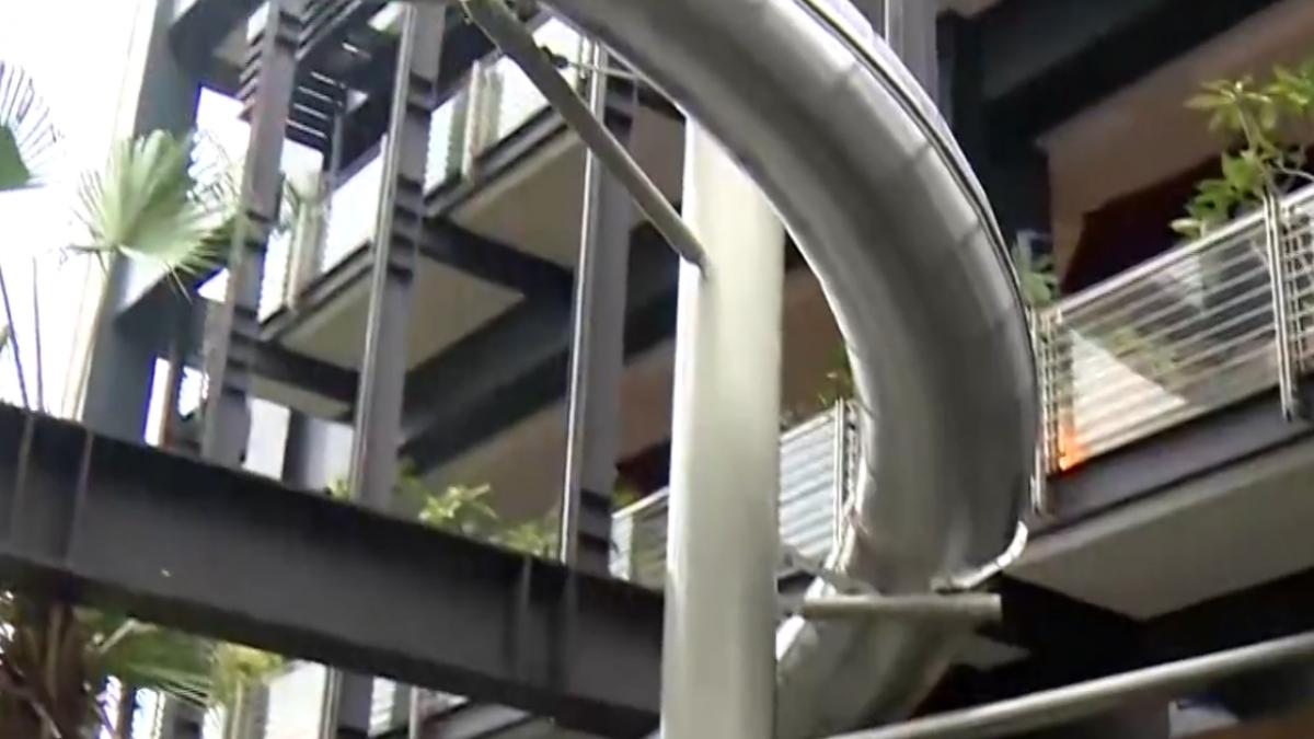 號稱亞洲戶外最高! 百貨造「螺旋溜滑梯」搶客