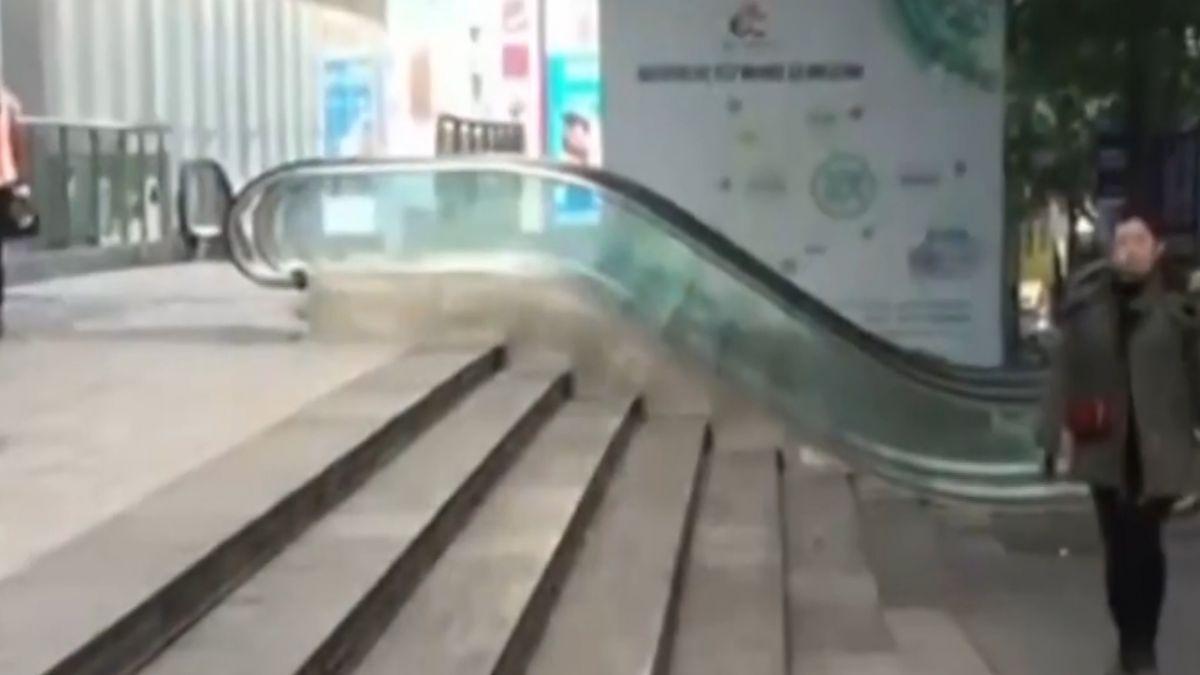 重慶商場無用迷你手扶梯 民眾:只有10級好多餘
