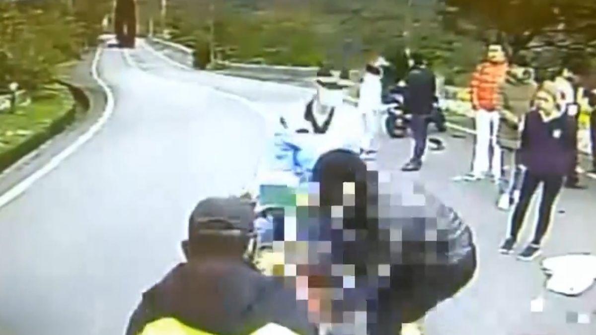 20歲騎士過彎自摔 擠對向超跑車底亡