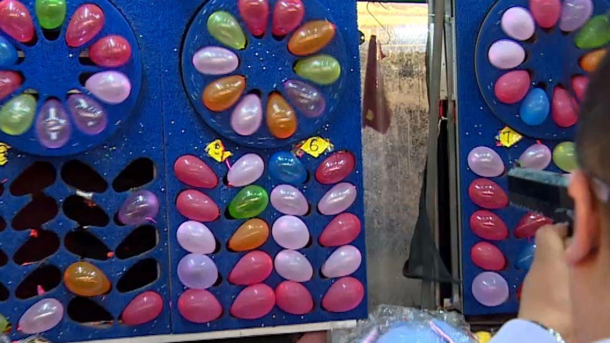 士林夜市玩射氣球 民眾控業者少給BB彈