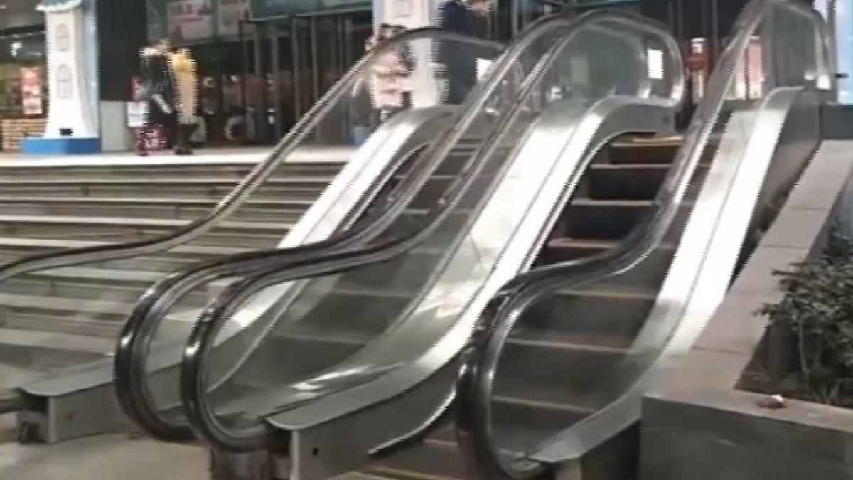 重慶商場奇觀 超迷你7階手扶梯引話題